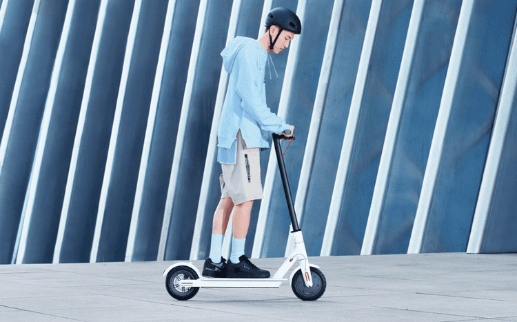 Пример катания на электросамокате Xiaomi Mijia Electric Scooter 1S